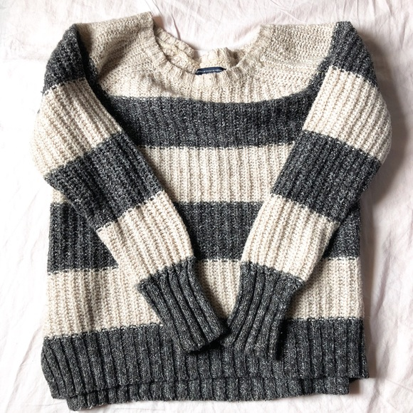 American Eagle Outfitters Tops - American Eagle Sweater